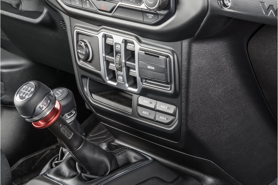 Mopar Aux Switch Bank - Black - JT/JL Non Rubicon