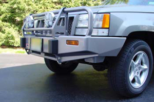 ARB Deluxe Front Bumper w/Bar