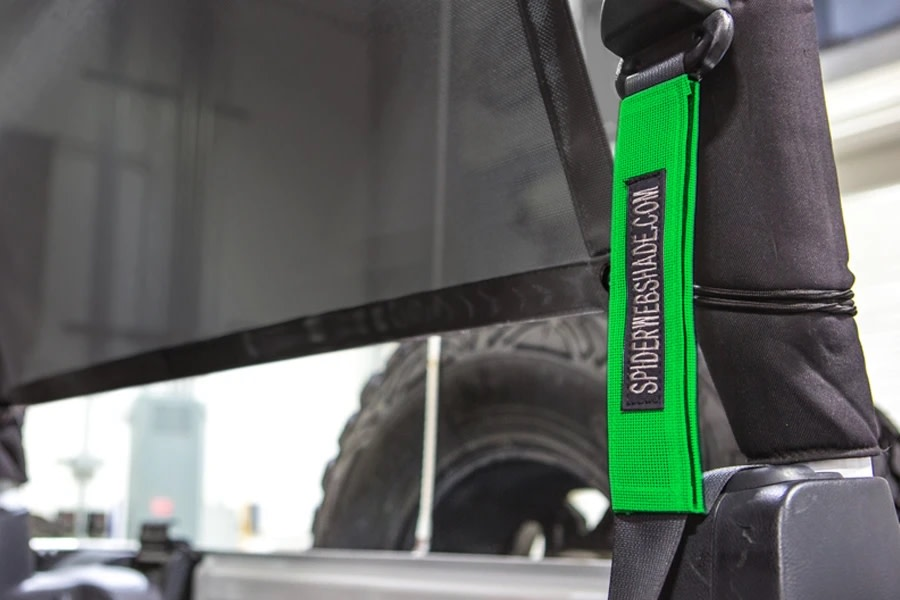 SpiderWebShade Seatbelt Silencers - Green - JK 2Dr