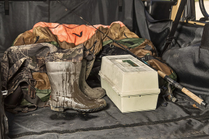 Rugged Ridge C3 Cargo Cover, w/Subwoofer (Part Number: )